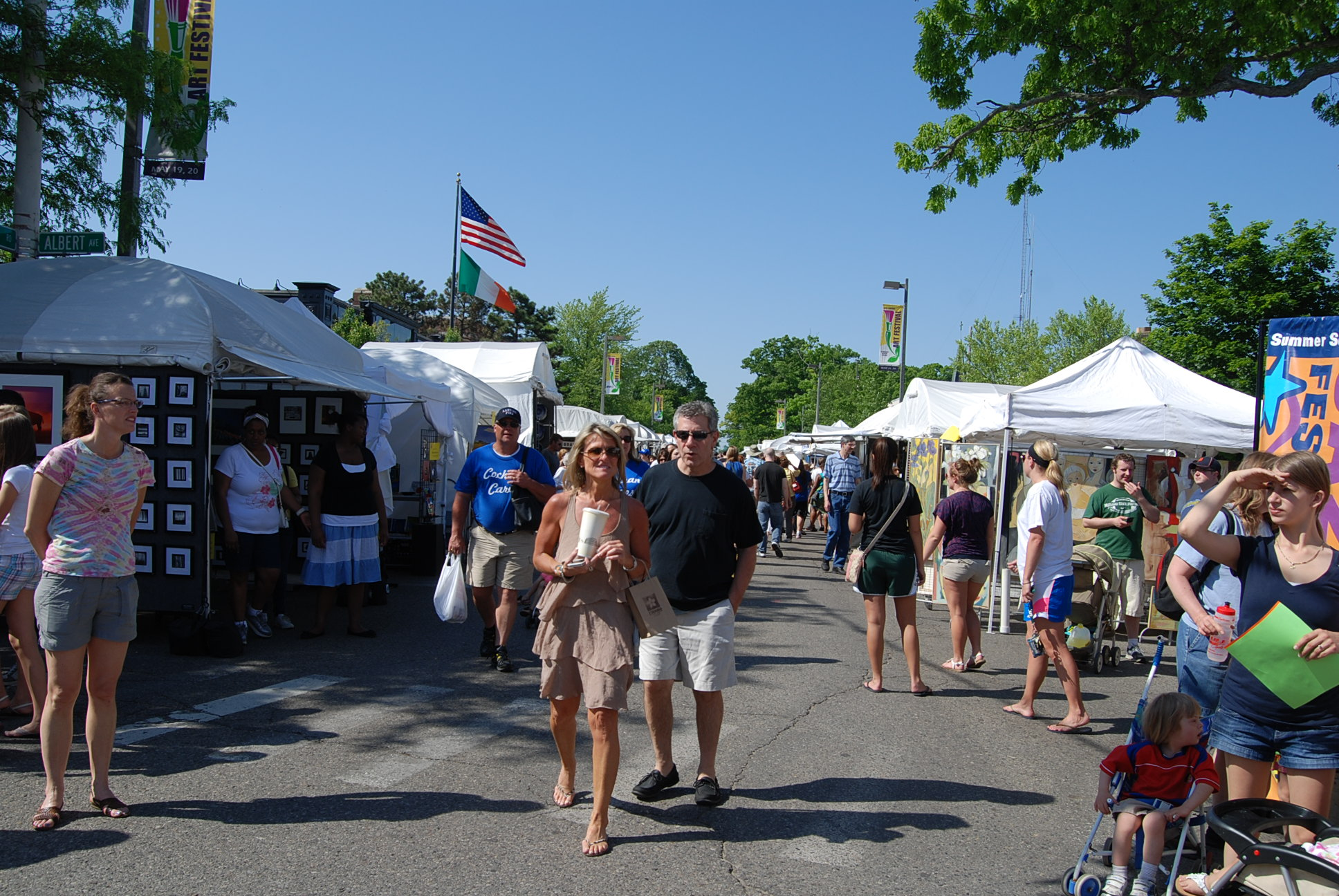 The music, art, and food at the ELAF create an enjoyable afternoon for many of the festival participants.
